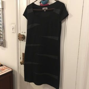 Dresses & Skirts - Black dress with Gray design